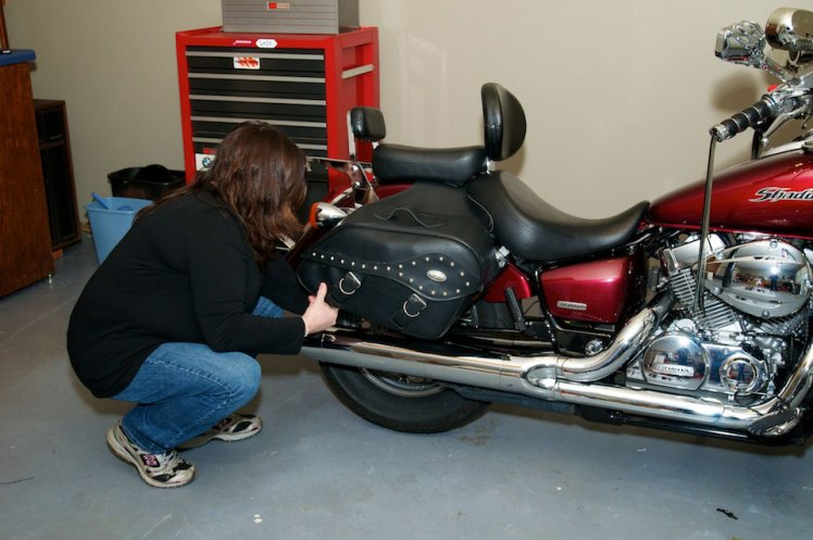 removing river road saddle bags from honda areo