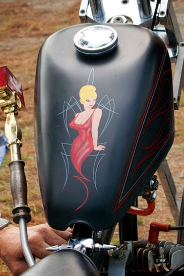 graphics on a harley davidson sportster gas tank