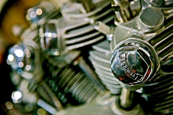 vincent rapide engine detail front head