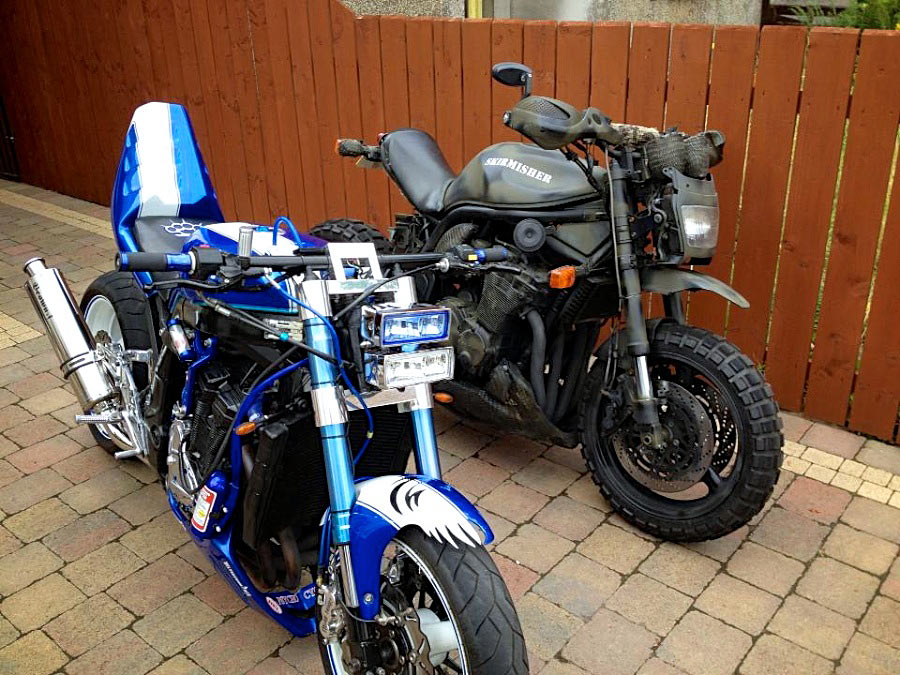 custom suzuki gsxr and suzuki bandit front right side view