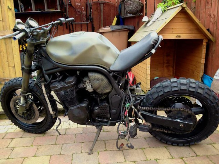 suzuki 600 bandit military street fighter left side view