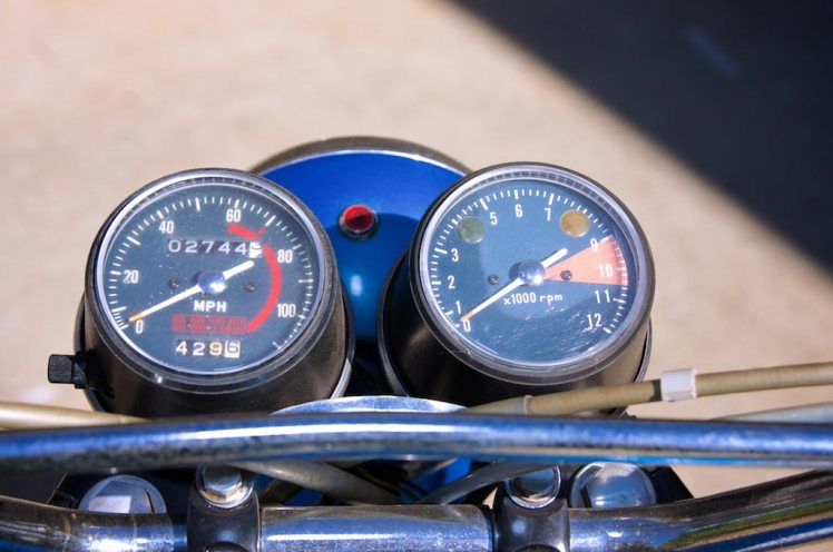 1971 Honda SL 350 top view headlight speedometer, tachometer