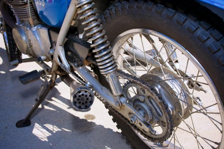 1971 Honda SL 350 left side view chain and sprocket